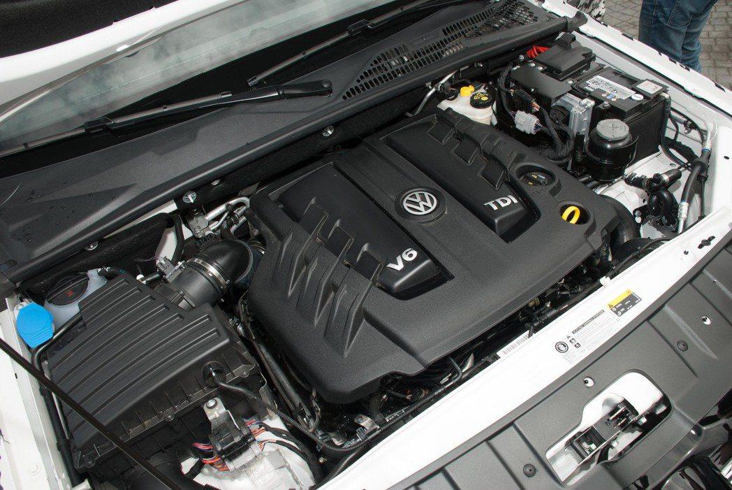 3.0L V6雙渦輪增壓柴油引擎。記者林昱丞/攝影