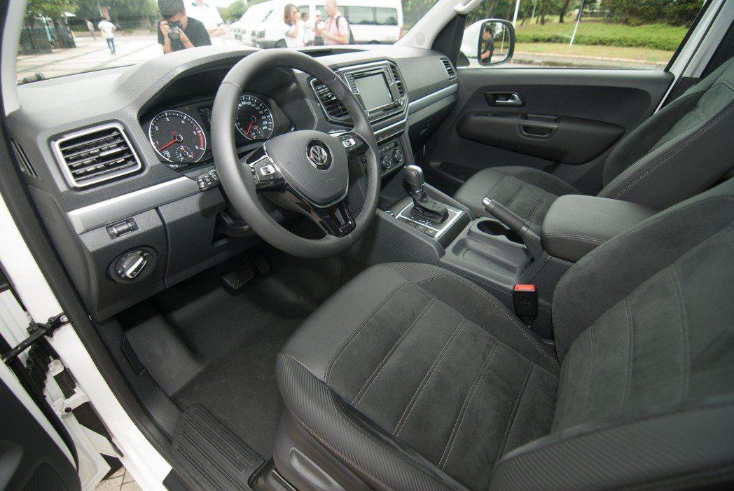 Volkswagen Amarok內裝。記者林昱丞/攝影