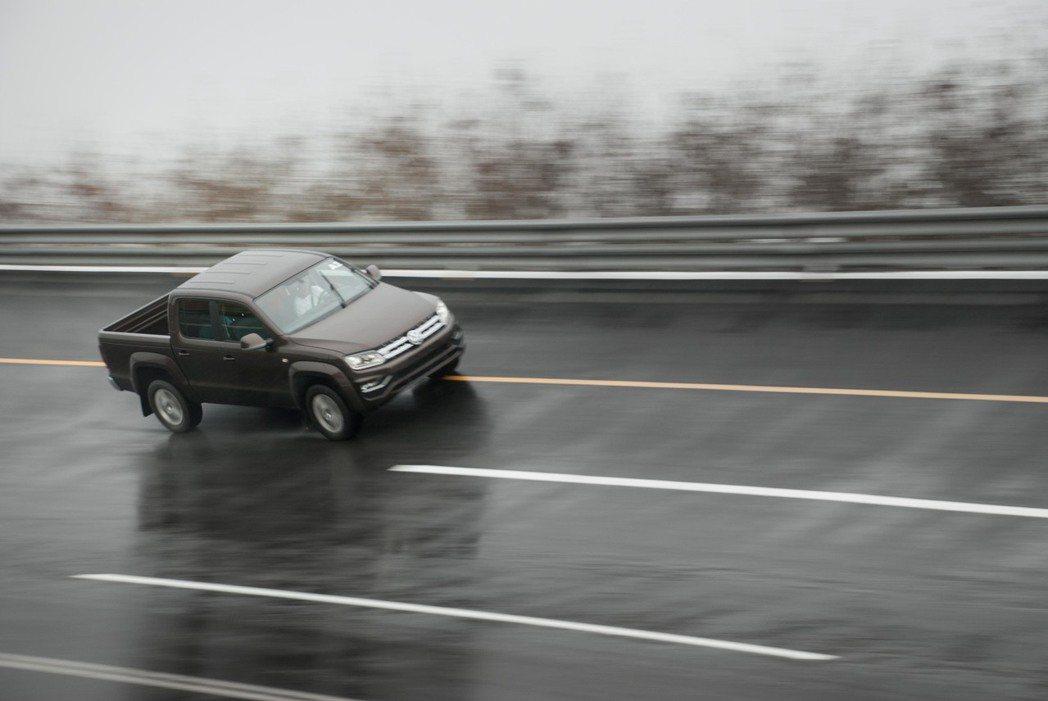 高速周回路。記者林昱丞/攝影