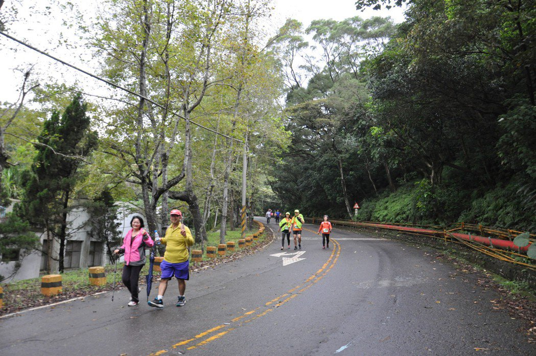 桃園煉油廠的環山步道環境優美、生態豐富,參賽者不論是路跑還是健行,都相當開心。記...