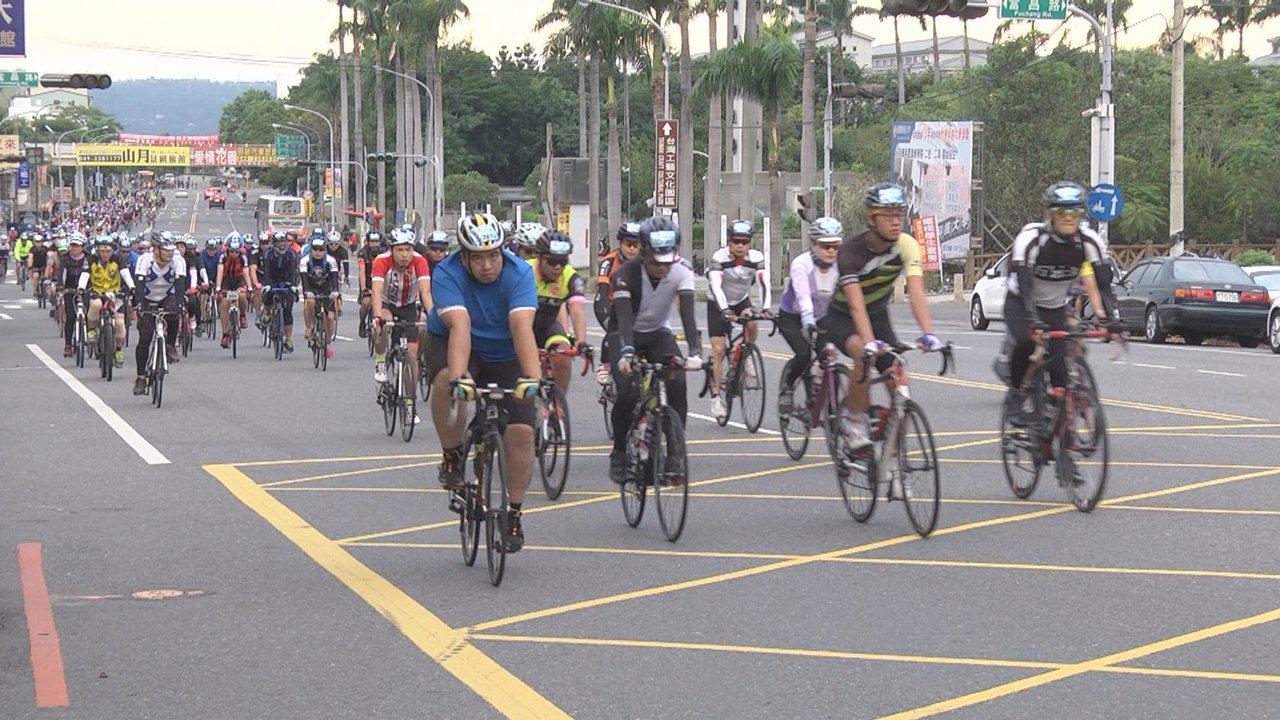 南投139自行車百K挑戰賽全程達100.8公里,橫跨南投和彰化6鄉鎮。圖/南投市...