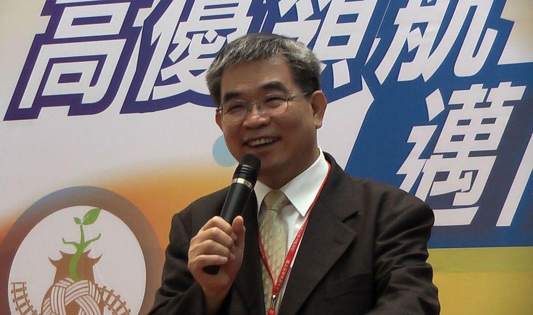 教育部政務次長蔡清華表示,高中優質化為12年國教課綱奠基,很高興看到普高優質化團...