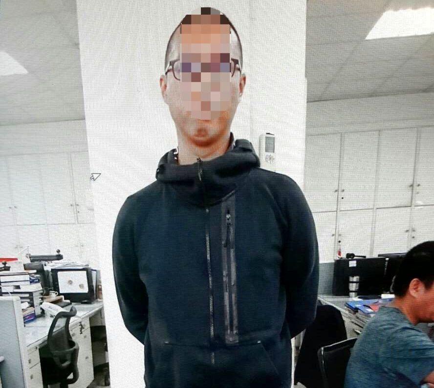 王姓男子在豪宅房內涉吸毒,今被警方查獲送辦。記者邵心杰/翻攝