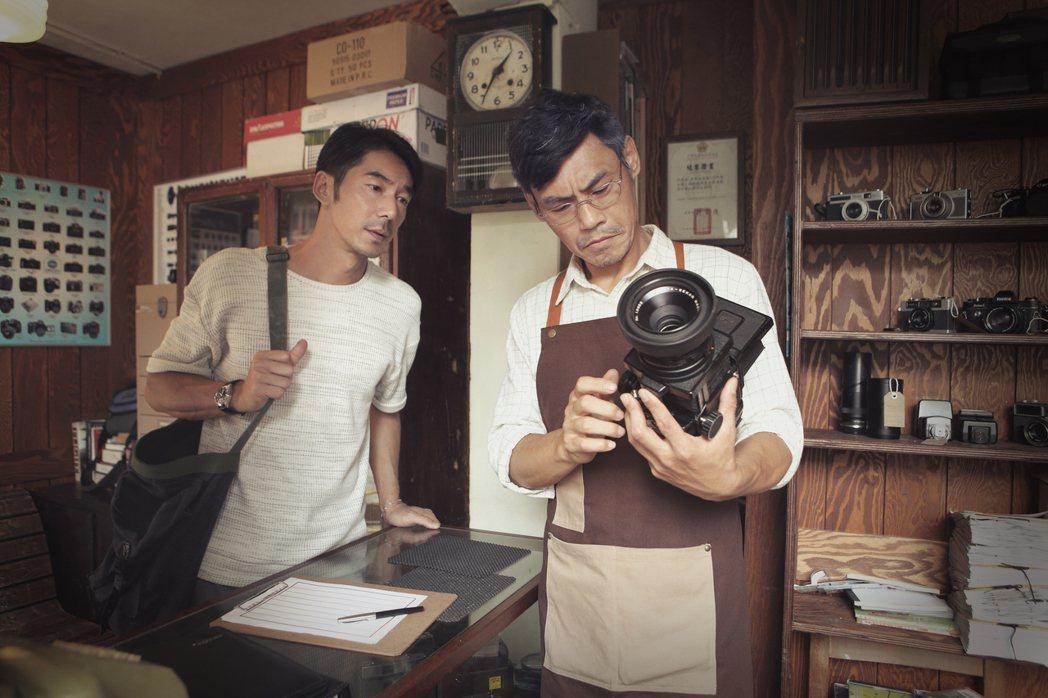 李李仁和夏靖庭在片中的互動真情流露。圖/和泰汽車提供