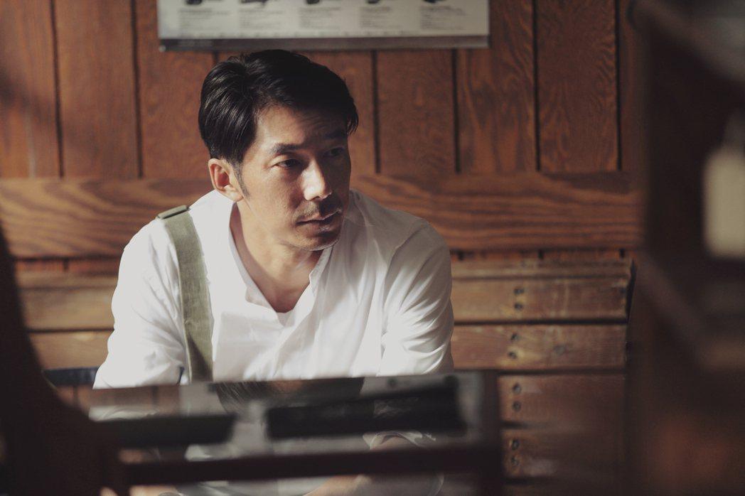 李李仁拍攝微電影「影藏」刻畫父子關係深刻細膩。圖/和泰汽車提供