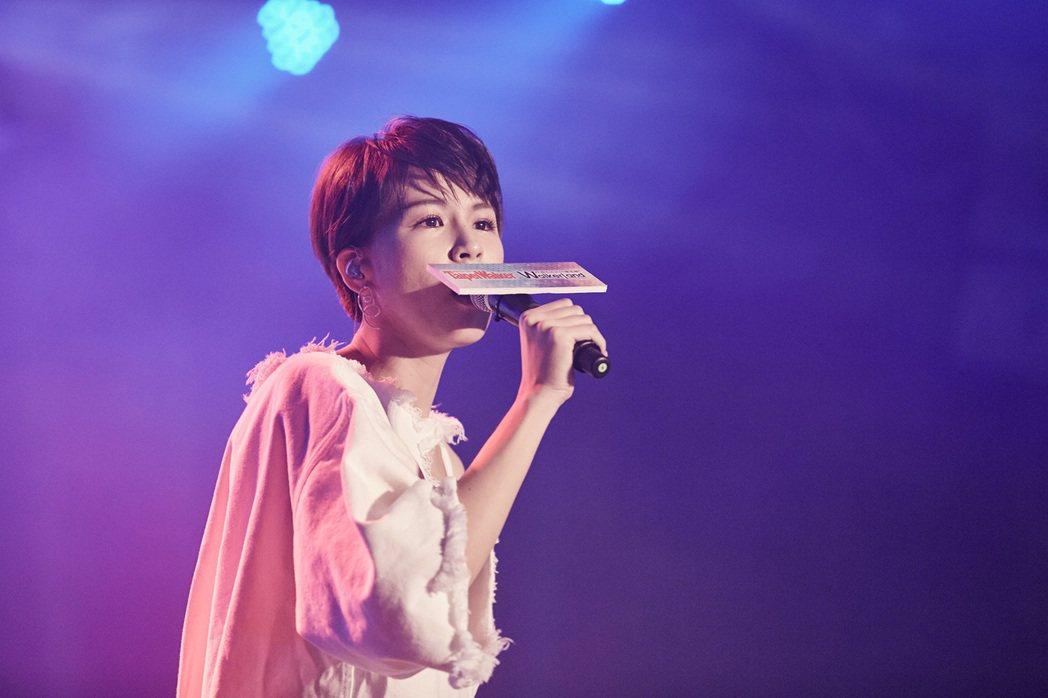 曾沛慈21日在雜誌社慶生派對演出。圖/Taipei Walker提供