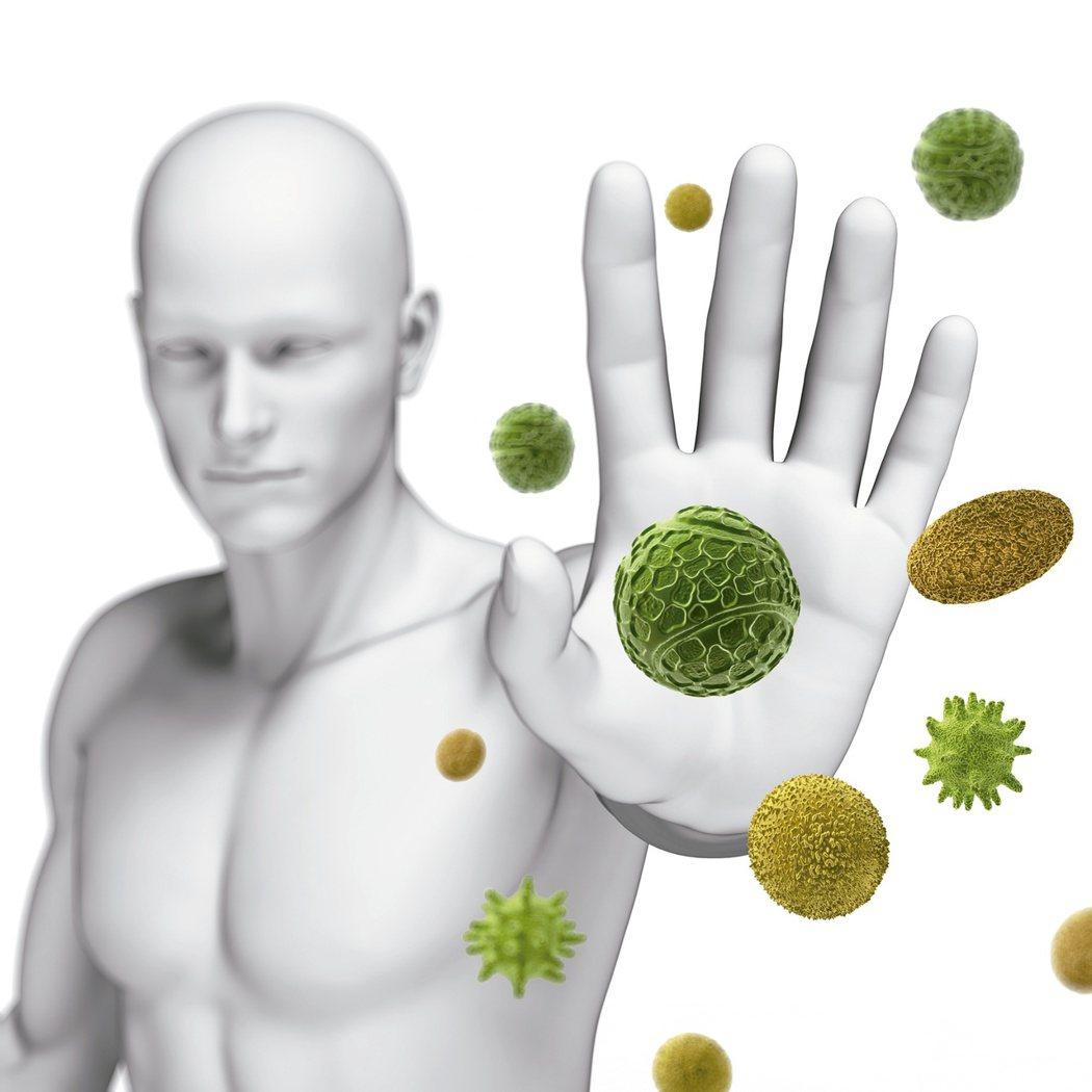 癌症免疫療法成為抗癌新武器!癌症免疫療法藥物跟化療、放療、標靶藥物最大不同是,喚...