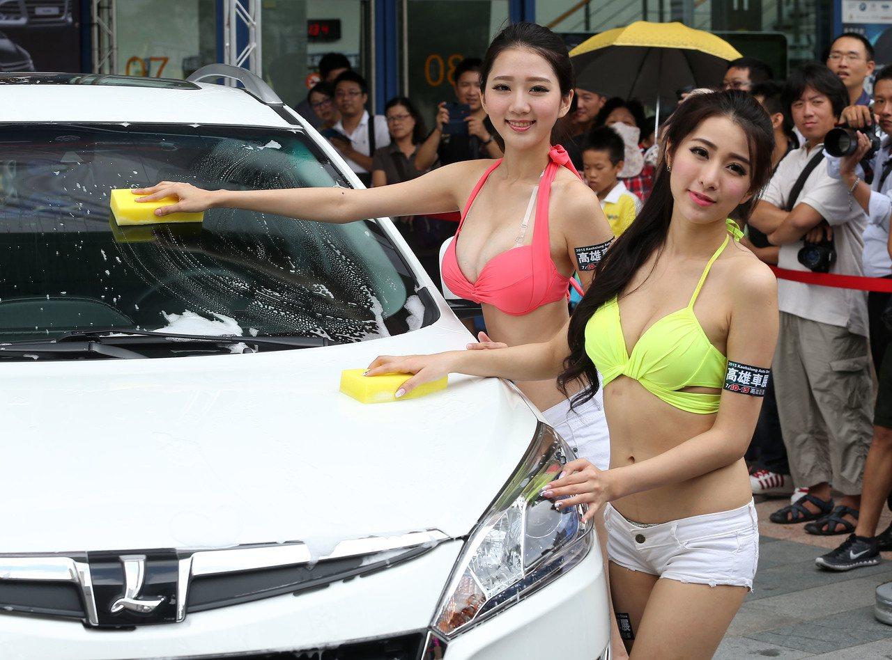 愛車,更要搞懂車的稅務。圖為經濟日報2015年主辦的「高雄車展」。 報系資料照