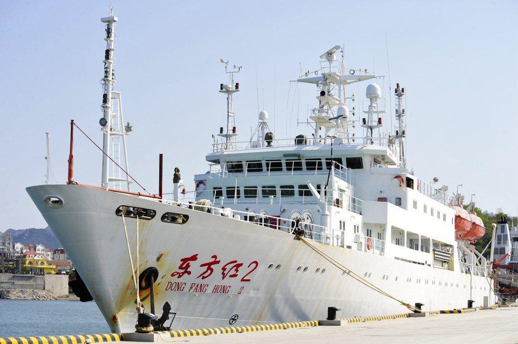 東方紅2號是中國最先進的海洋綜合性考察船、最先進的海上綜合流動實驗室。(新華社)