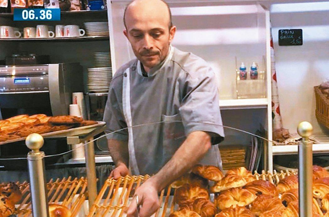 法國尼斯烘焙師傅羅伊發起改革運動,拯救法國道地可頌免於消失。 圖/取自BFM T...