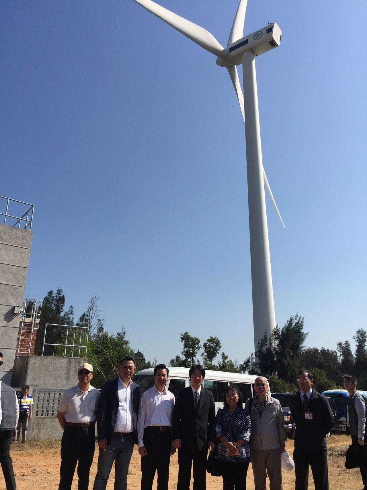 行政院長賴清德今天到金門視察電力供應系統,他指出,台電應該把金門當作太陽能分散式...