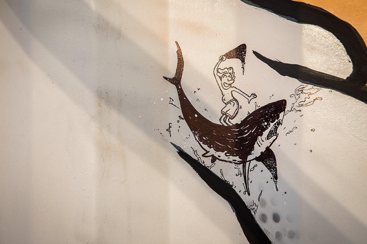 藝術家ASERK警醒世人食用魚翅對於大自然帶來的傷害。圖/VCE to-go提供