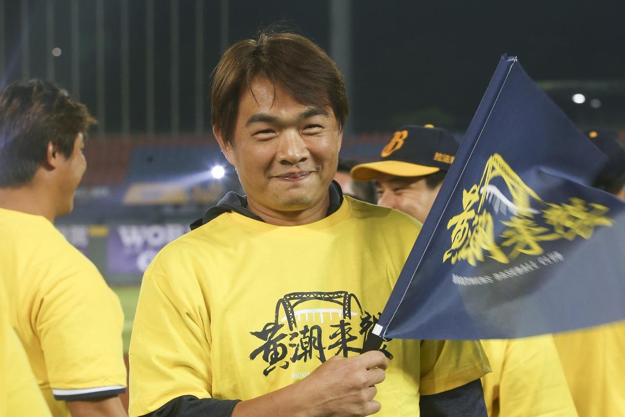 中華職棒在台中洲際棒球場舉行季後挑戰賽,統一獅對戰中信兄弟第四戰,中信兄弟以3勝...