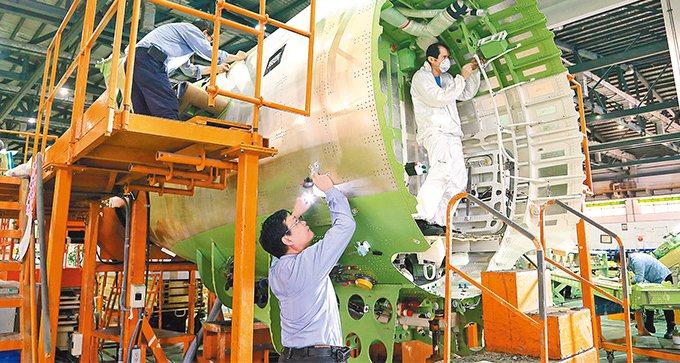 經濟部統計處今天公布9月工業生產指數110.71,年減0.75%;其中製造業生產...