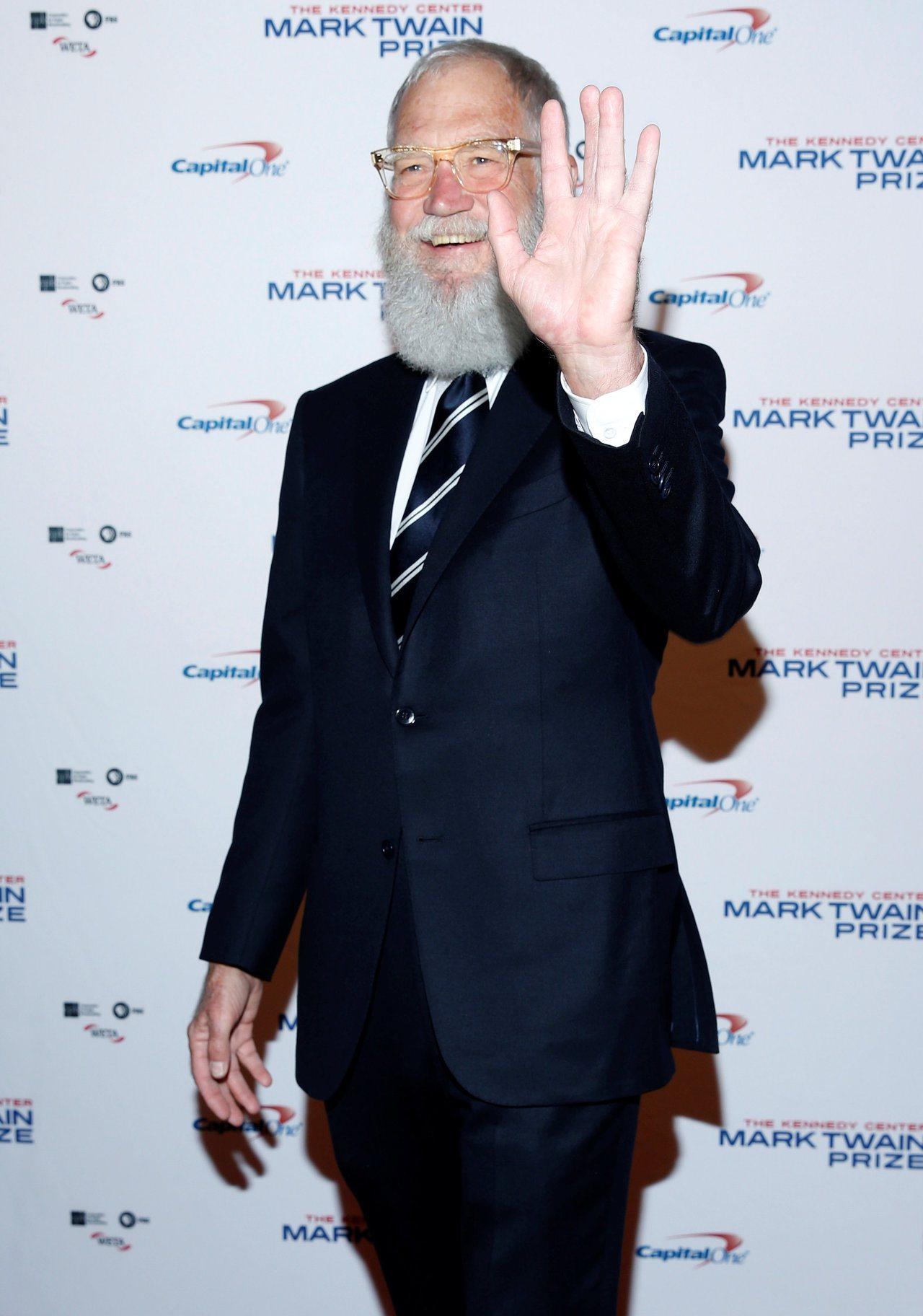 前脫口秀名主持賴特曼22日在華府獲馬克吐溫幽默獎。路透