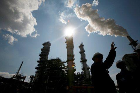 對於身為共和黨的美國總統川普來說,讓美國能源業在全球擴張,完全符合川普的政策。 ...