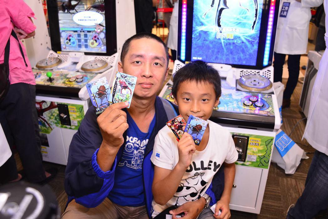 新甲蟲王者深受大小朋友喜愛,是親子共遊的絕佳體驗機。