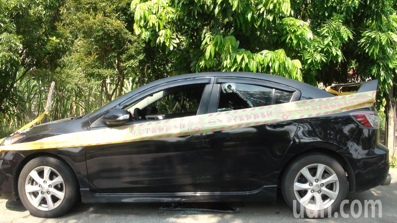 張姓男子陳屍在緊閉的車內。記者謝恩得/攝影