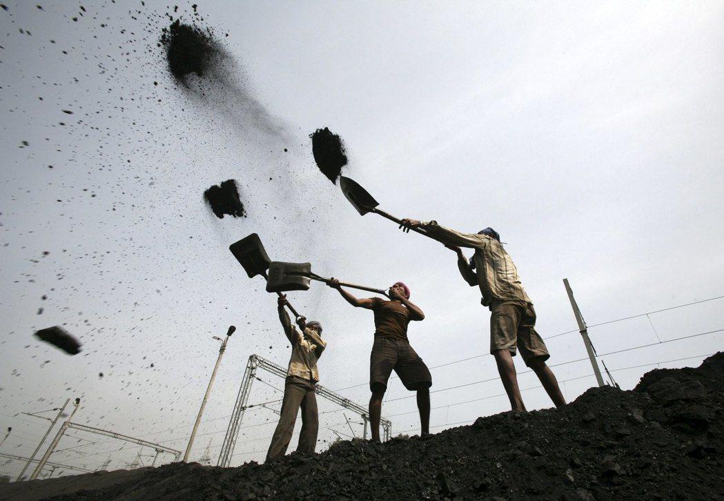 來寶集團地位日益下滑,正是亞洲燃煤期貨量銳減的最重要因素。路透