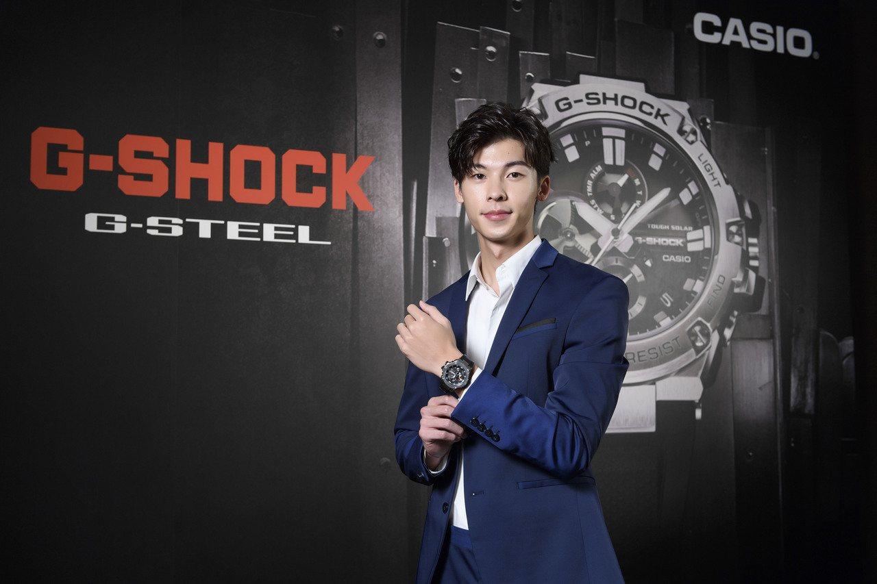 許光漢配戴G-SHOCK G-STEEL GST-B100全新藍牙腕表,獻出第一...