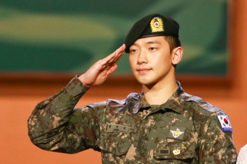 Rain當兵時傳出負面新聞。圖/摘自Naver