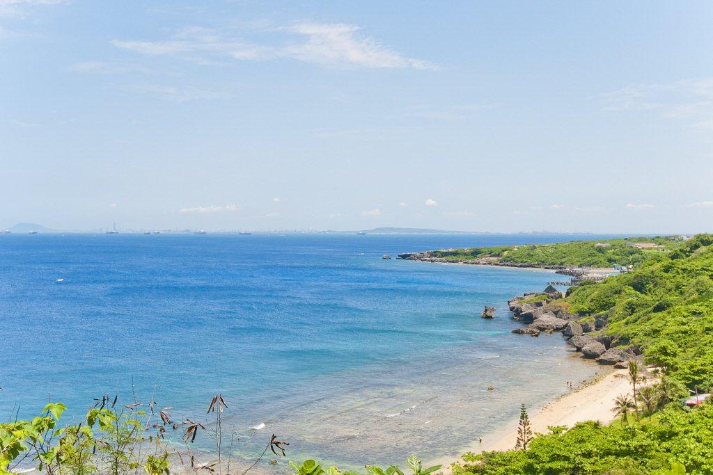 位於小琉球的蛤板灣,又被稱為威尼斯海灘。 圖/大鵬灣風景管理處提供
