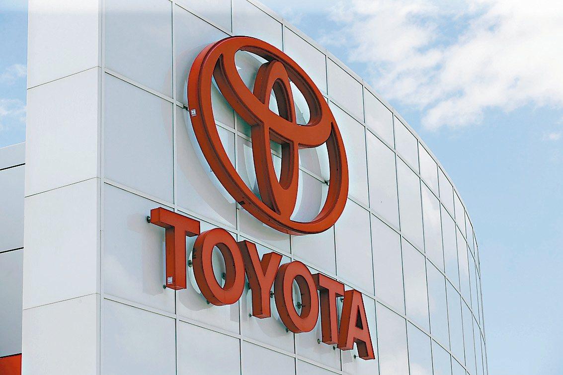 日本首相安倍晉三在眾議院選舉中大勝,豐田汽車等出口導向企業將受益。 美聯社