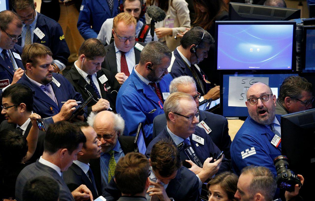 美股持續上漲卻不見大舉拋盤,相當罕見。(路透)