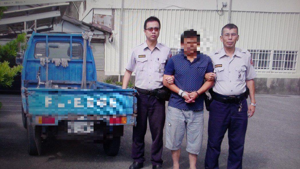 警方依竊盜現行犯將葉嫌移送。記者卜敏正/攝影
