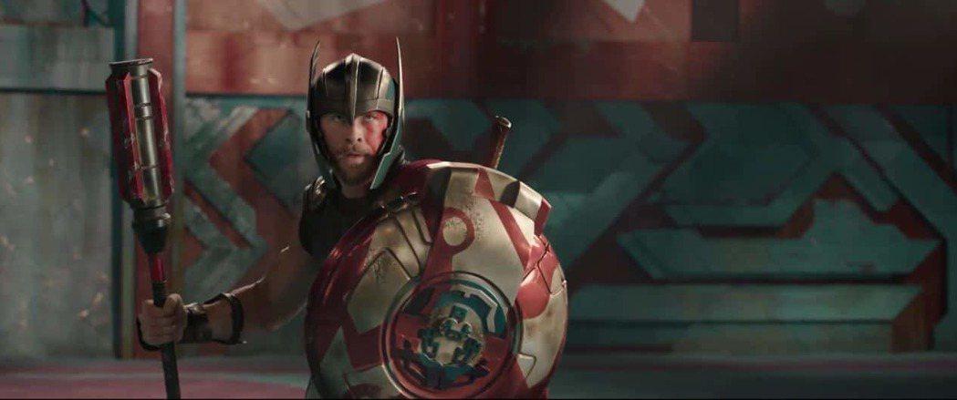 克里斯漢斯沃在「雷神索爾3」中表現搶眼。圖/迪士尼提供