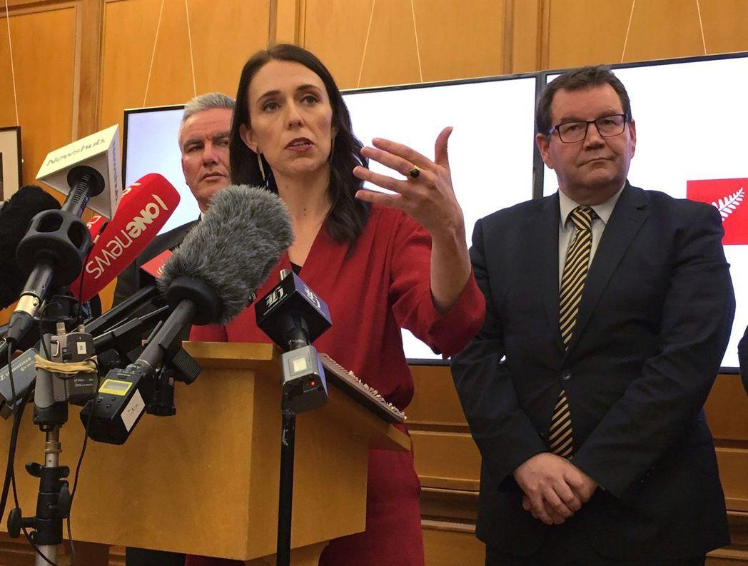 工黨希望央行除了重視通膨外,在制訂政策時也將充份就業列為目標,效法美國和澳洲的做...