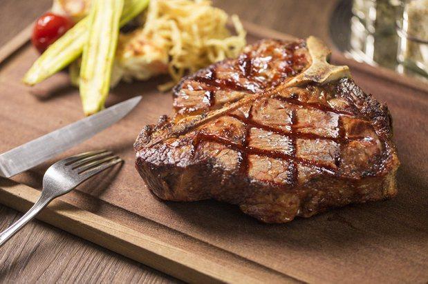 勞瑞斯餐廳迎接15周年祭出優惠活動。圖/勞瑞斯餐廳提供