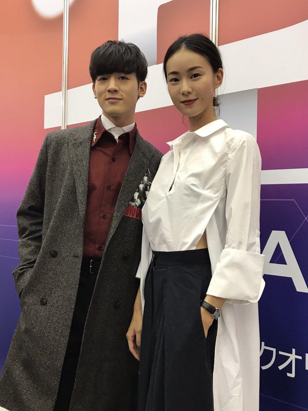 鍾瑤(右)和吳思賢出席東京電視節,為三立新戲「姊的時代」造勢。 記者楊起鳳/攝影