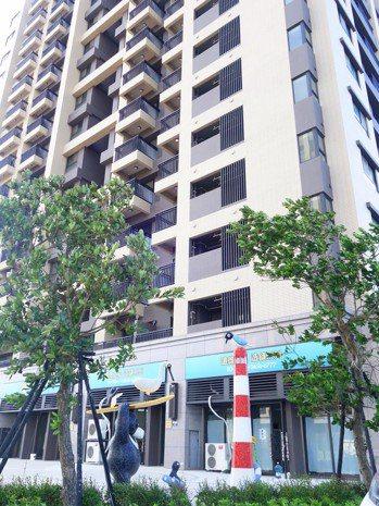 遠雄建設繼成功造鎮三峽、林口之後,在台中港市鎮中心推出的「遠雄之星」第1期最近完...