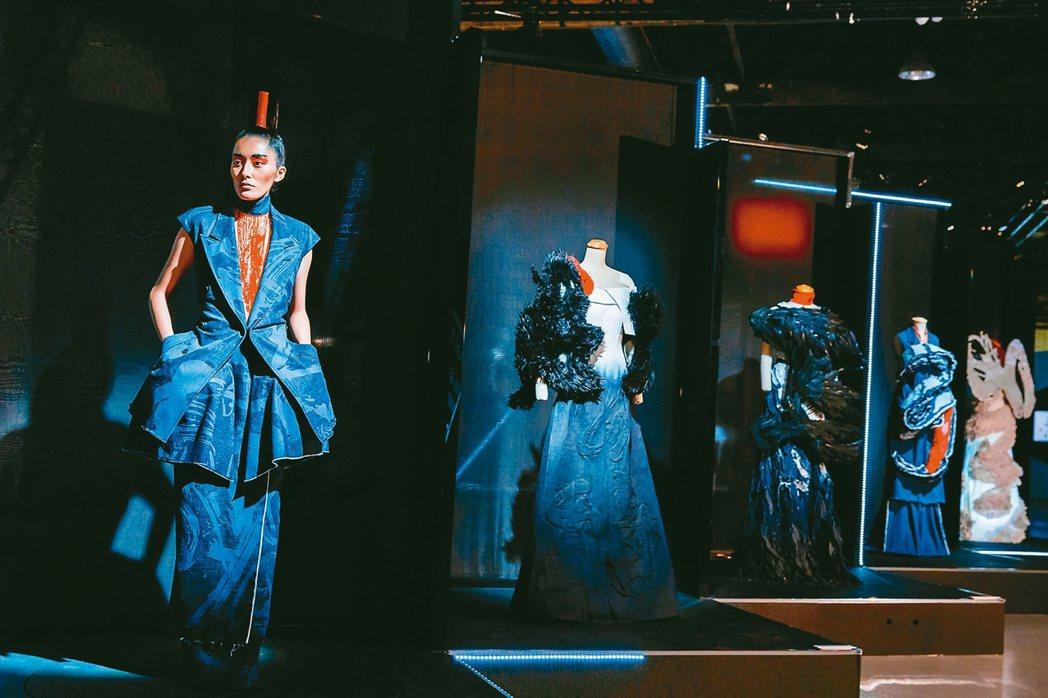 《讀衣II》時尚X藝術跨界展,周裕穎展區。 圖/誠品提供