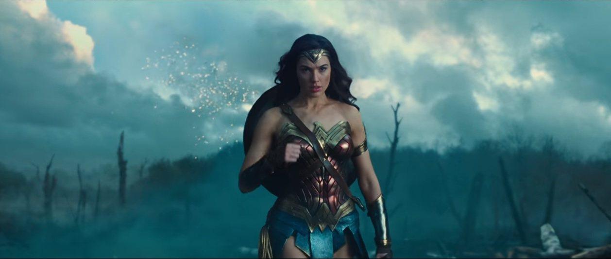 今年萬聖節服裝,美國以神力女超人裝扮最夯。圖擷自Youtube影片