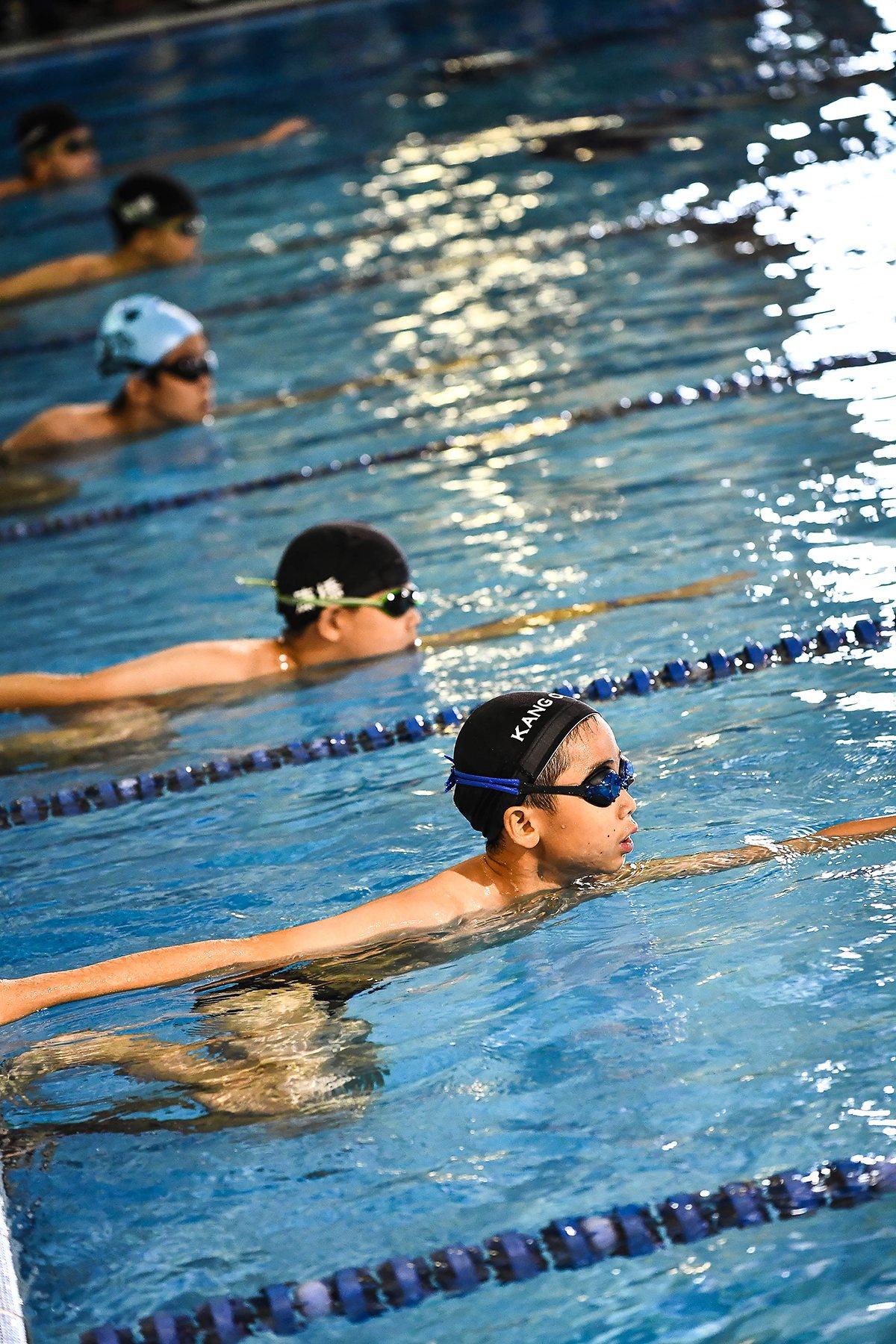 一年一度的水運會,正是孩子展現出體育競賽的熱誠,也顯示康橋國際學校對游泳教學的重...