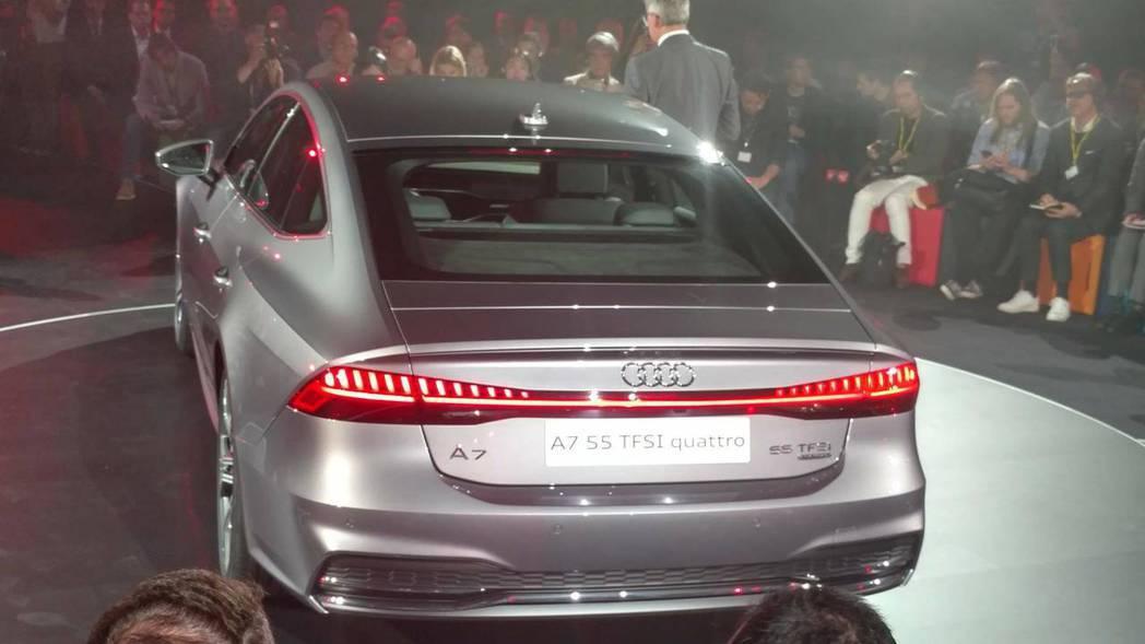 全新Audi A7 Sportback車尾有「55 TFSI」的字樣,不過僅限於...