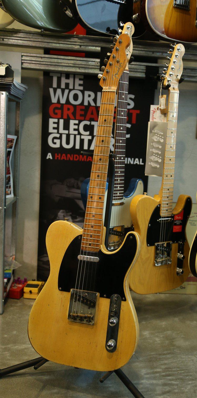 吉他是以聲音留住老樹的生命。記者陳立凱/攝影