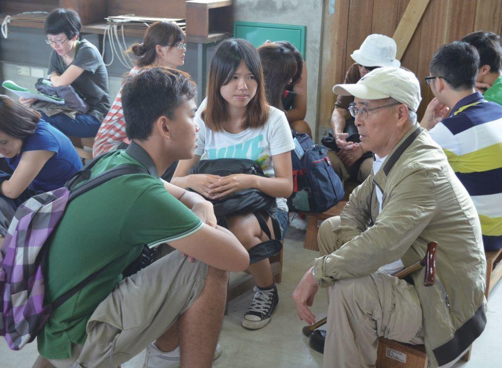 胡子丹先生(服刑15年)在他當年被捕、囚禁9個月並被刑求偵訊的地點「鳳山海軍招待...