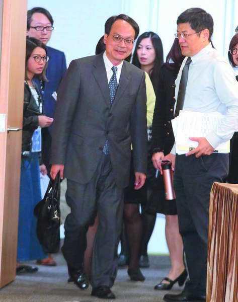 林峰正(中)的第一場黨產聽證會針對救國團問題。 攝影/柯承惠