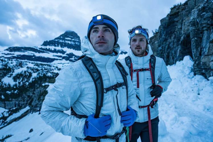柴克艾弗隆與弟弟Dylan Efron一同實際體驗Columbia自體熱能科技與...