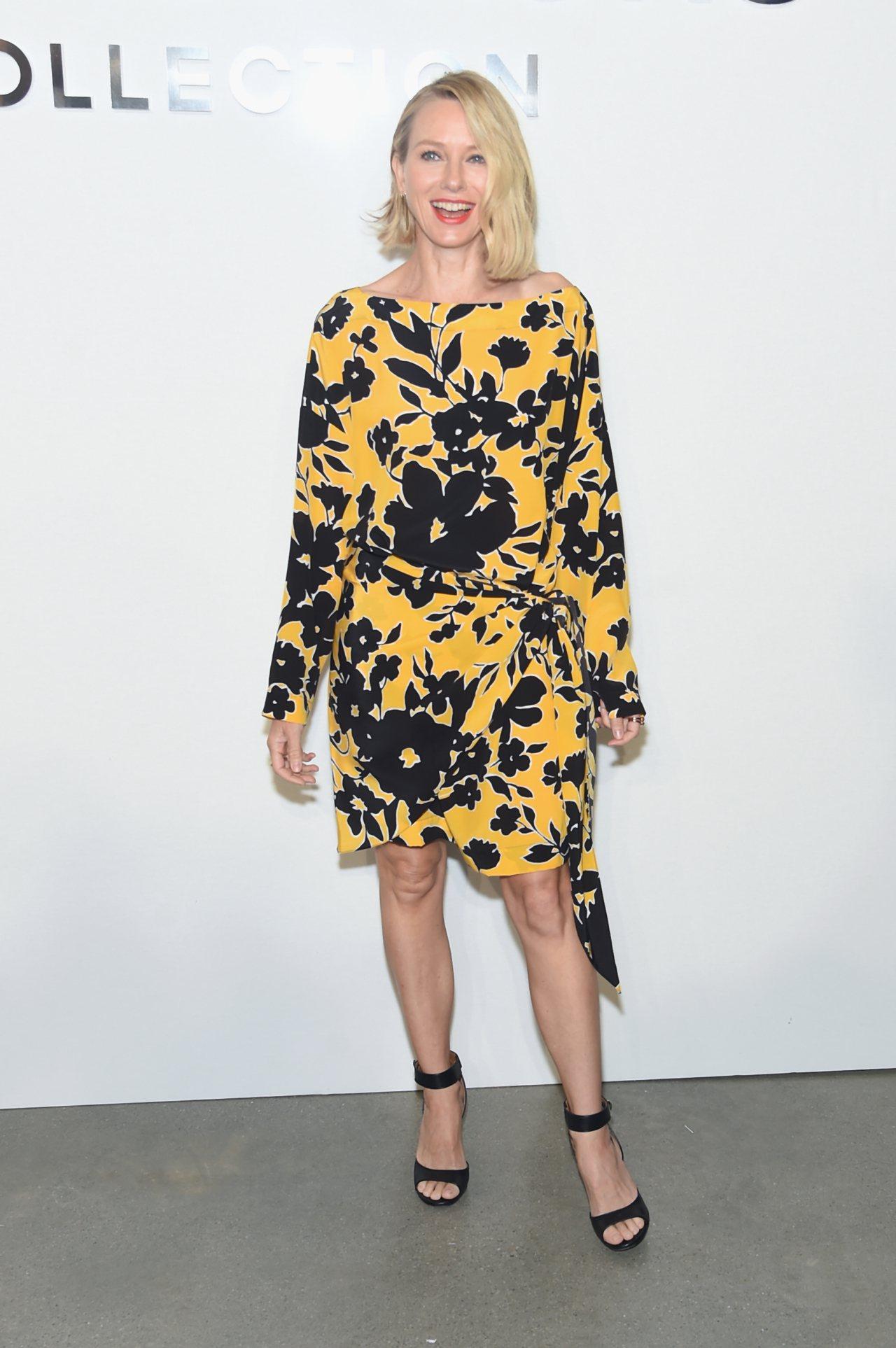 娜歐蜜華茲身穿 2018早春季系列,唇色搭襯得宜,顯得神采飛揚。圖/MICHAE...