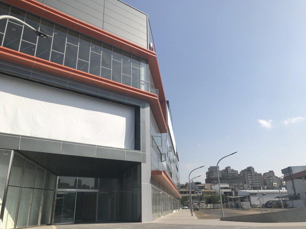 新竹市「大魯閣湳雅廣場」建築外觀大致已完成。記者陳妍霖/攝影