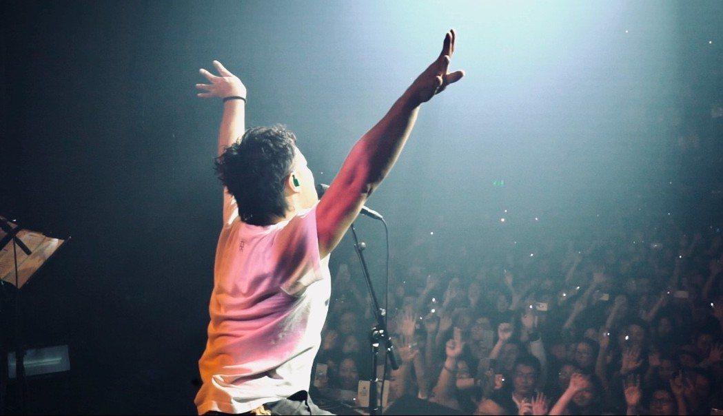 陳奕迅在阿姆斯特丹開唱。圖/環球唱片提供