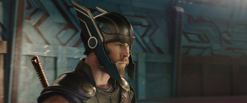克里斯漢斯沃在「雷神索爾3:諸神黃昏」中有搞笑演出。圖/迪士尼提供