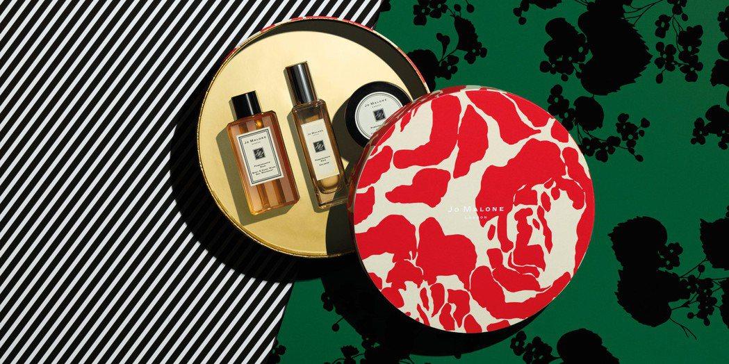 Jo Malone黑石榴系列禮盒,售價4,300元。圖/Jo Malone提供