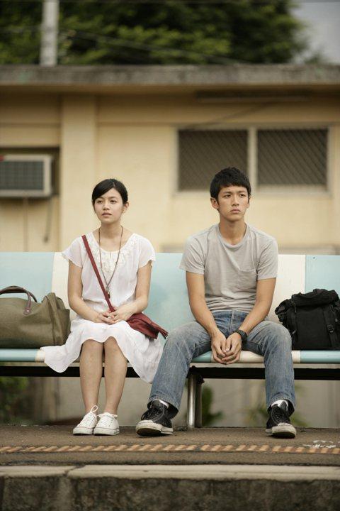 「那些年,我們一起追的女孩」6年前在台灣上映,原本只是票房還算受到看好的文藝小品,卻締造媲美億萬大片的賣座狂潮,更開啟了華語影壇「懷舊青春片」的黃金年代。柯震東榮獲金馬獎最佳新演員,陳妍希提名金馬影...