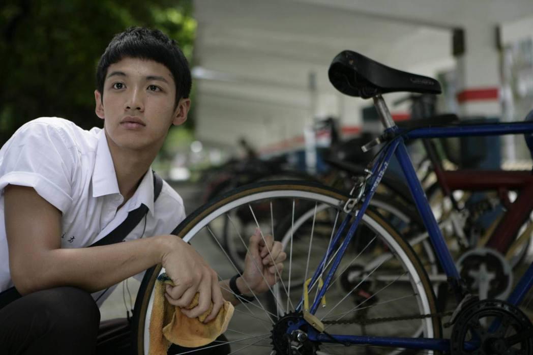 20歲的柯震東在「那些年,我們一起追的女孩」裡扮演主角柯景騰。圖/索尼音樂提供