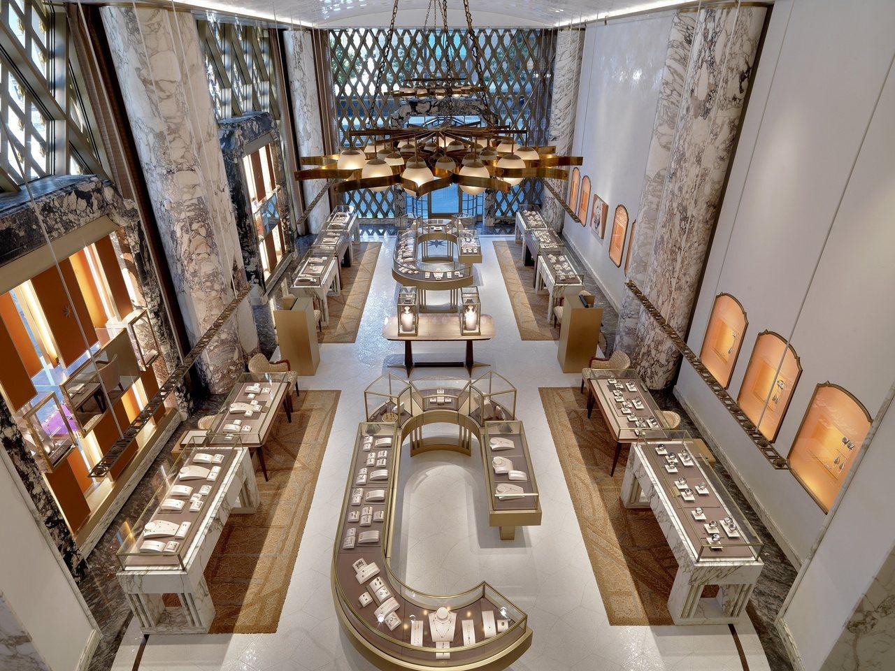 寶格麗紐約第五大道旗艦店,由知名建築師Peter Marino操刀,取材自羅馬康...